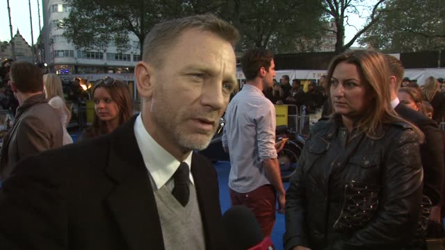 Daniel Craig on his earliest Tintin memory on the shoot on what people can expect on Steven Spielberg at the The Adventures of Tintin UK Premiere at...
