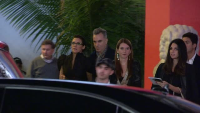 daniel day lewis rebecca miller steven spielberg kate capshaw leave for the lincoln after party in hollywood 11/08/12 - 映画 リンカーン点の映像素材/bロール