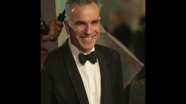 GIF Daniel DayLewis at EE British Academy Film Awards 2013 Red Carpet