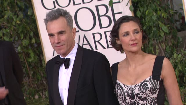 vídeos de stock, filmes e b-roll de daniel daylewis at the 70th annual golden globe awards arrivals in beverly hills ca on 1/13/13 - 2013