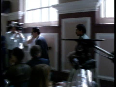 daniel ortega visits london; location unknown: int: **beware flash photography** daniel ortega along into press conference: ortega seated: members of... - ダニエル オルテガ サアヴェドラ点の映像素材/bロール