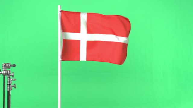 vídeos y material grabado en eventos de stock de danish flag on green screen - danish flag