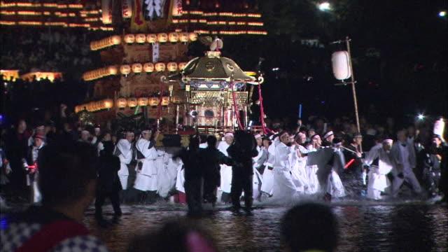 vídeos de stock, filmes e b-roll de danjiri festival in ehime, japan - shrine