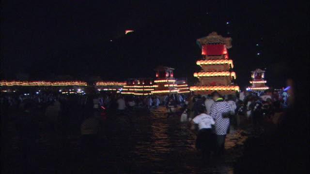 vidéos et rushes de danjiri festival in ehime, japan - char de défilé