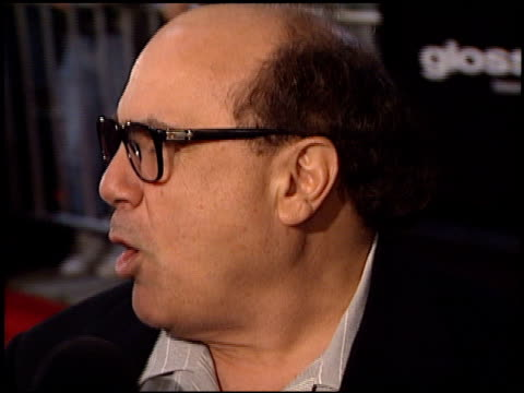 danny devito at the 'erin brockovich' premiere on march 14, 2000. - erin brockovich film title stock videos & royalty-free footage