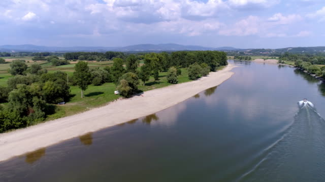 danube river bend near osterhofen in lower bavaria - river bend land feature stock videos & royalty-free footage