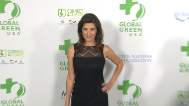 vídeos de stock, filmes e b-roll de daphne zuniga at global green usa 13th annual preoscar® party in los angeles ca - global green usa