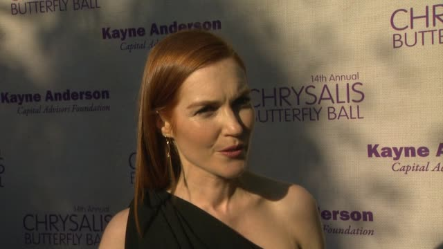 interview darby stanchfield on being a part of the night and honoring her scandal producer betsy beers what she appreciates about chrysalis and the... - chrysalis butterfly ball video stock e b–roll