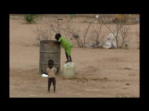 darfur refugee camp - völkermord stock-videos und b-roll-filmmaterial