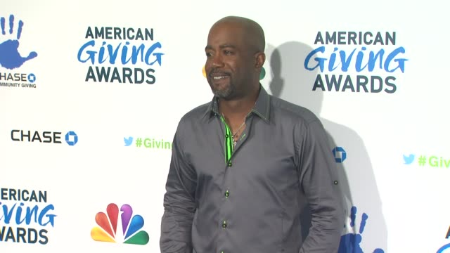 darius rucker at the 2nd annual american giving awards presented by chase on in pasadena ca - hinterher bewegen stock-videos und b-roll-filmmaterial