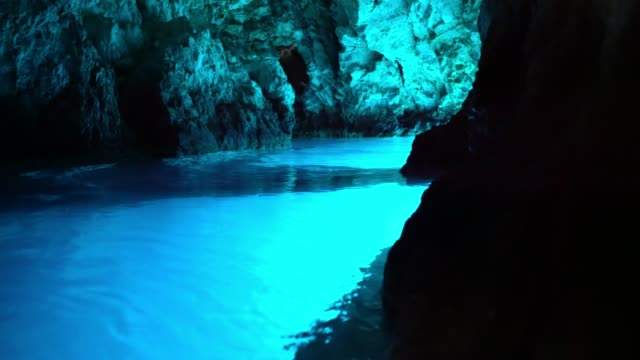ms dark blue ocean cave,bisevo,croatia, modra spilja - cave stock videos & royalty-free footage