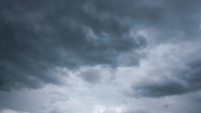 Dunkle Wolke sturm