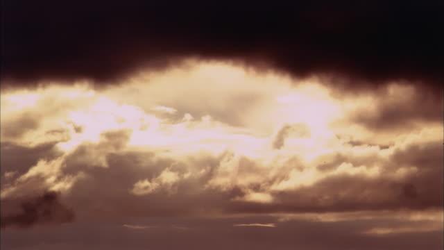 WS, T/L, Dark clouds