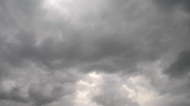 t/l ws la dark, stormy cloud cover moving across sky / provo, utah, usa - provo stock videos & royalty-free footage