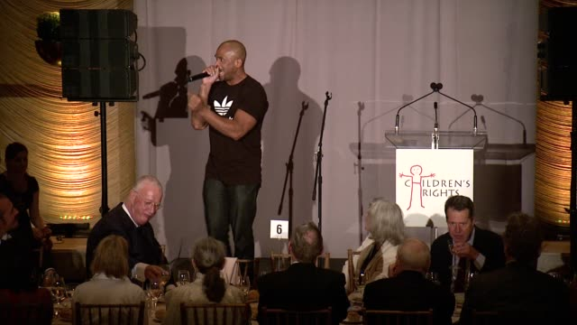 darryl mcdaniels talks about how sheila jaffe inspired him to get involved in children's rights, he presents her with award, sheila jaffe accepts... - darryl mcdaniels stock videos & royalty-free footage