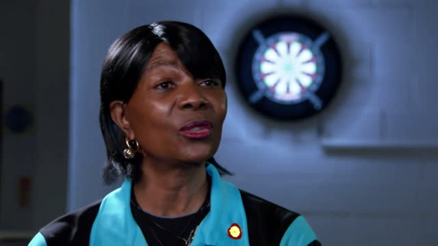 "darts player deta hedman saying she ""lets her darts do the talking"" in response to racist abuse she has received - one person stock videos & royalty-free footage"