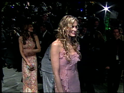 daryl hannah at the 2002 academy awards vanity fair party at morton's in west hollywood california on march 24 2002 - daryl hannah stock videos & royalty-free footage
