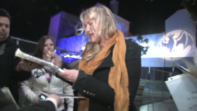 daryl hannah at the black eyed peas' seventh annual peapod benefit concert at the celebrity sightings in los angeles at los angeles ca - daryl hannah stock videos & royalty-free footage