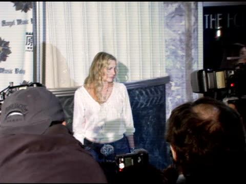 daryl hannah at the gwen stefani previews 'harajuku lovers' apparel line at the hollywood museum in hollywood california on october 21 2005 - daryl hannah stock videos & royalty-free footage