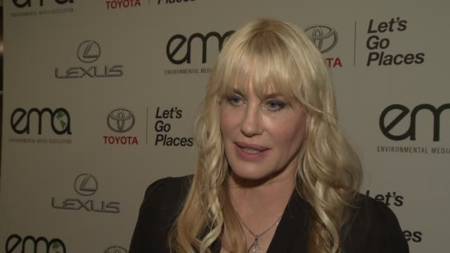 interview daryl hannah on what makes the ema awards so inspiring at 2014 environmental media awards presented by toyota lexus at warner bros studios... - environmental media awards stock videos & royalty-free footage