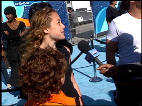 vídeos de stock e filmes b-roll de daryl sabara at the 2001 nickelodeon kids' choice awards arrivals at barker hanger in santa monica, california on april 21, 2001. - nickelodeon kids' choice awards