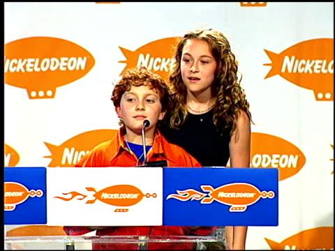 daryl sabara at the 2001 nickelodeon kids' choice awards press room at barker hanger in santa monica california on april 21 2001 - nickelodeon kids' choice awards stock videos & royalty-free footage