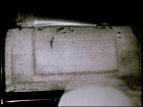 dateline: long island - 16 of 27 - この撮影のクリップをもっと見る 2130点の映像素材/bロール