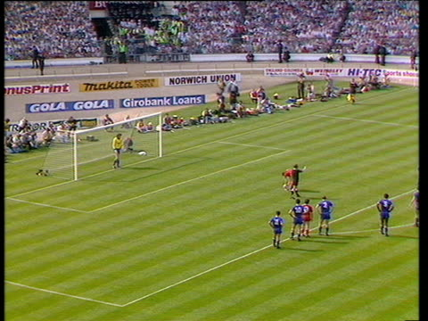 dave beasant dives low to his left saving john aldridge's penalty liverpool vs wimbledon 1988 fa cup final wembley london - fa cup stock-videos und b-roll-filmmaterial