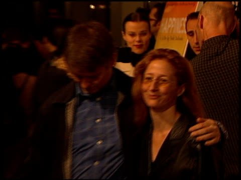 dave foley at the 'happiness' premiere at laemmle's sunset 5 in los angeles, california on october 16, 1998. - première stock videos & royalty-free footage