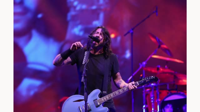 dave grohl of foo fighters performs live on the main stage during day three of reading festival 2019 at richfield avenue on august 25, 2019 in... - reading and leeds festivals stock videos & royalty-free footage
