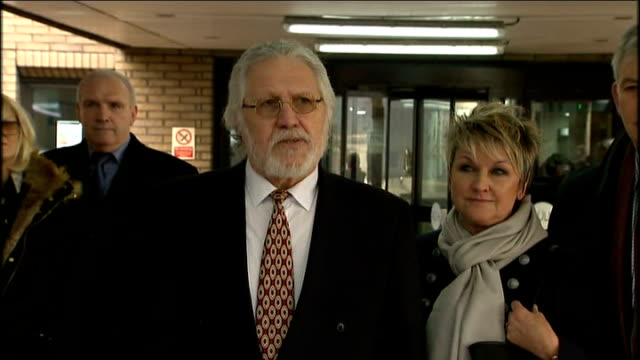 Dave Lee Travis cleared of 12 charges of indecent assault London Southwark Crown Court PHOTOGRAPHY *** Dave Lee Travis and wife Marianne towards from...