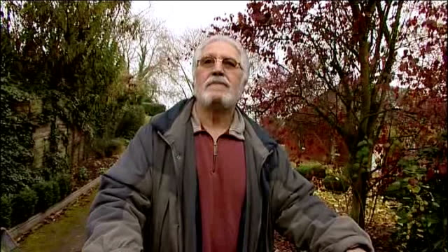 dave lee travis questioned by police on sexual assault allegations england bedfordshire leighton buzzard ext various shots of dave lee travis talking... - レイトンバザード点の映像素材/bロール