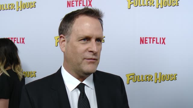vídeos de stock, filmes e b-roll de interview david alan coulier on what it's like to be part of this new series and what fans should expect at the netflix's fuller house premiere at... - the grove los angeles