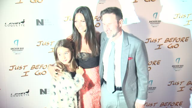 david arquette and coco arquette at the just before i go los angeles premiere at arclight cinemas on april 20 2015 in hollywood california - arclight cinemas hollywood 個影片檔及 b 捲影像