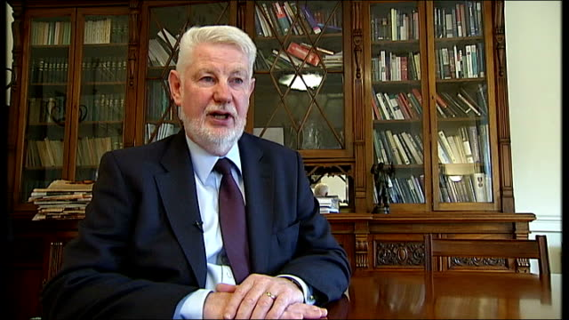 david begg interview sot ext 'wet paint' notice on gates to leinster house general views entrance gates to irish parliament building - freshly painted stock videos & royalty-free footage
