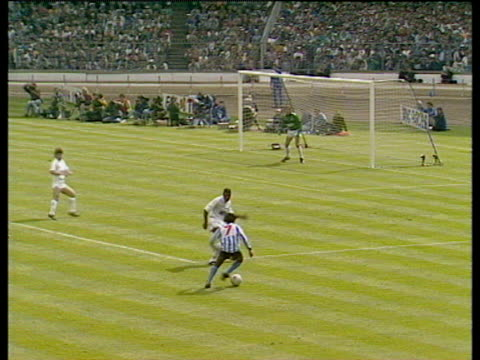 david bennett bends cross into back post where keith houchen meets ball with diving header scoring equaliser, coventry city vs tottenham hotspur,... - coventry stock videos & royalty-free footage