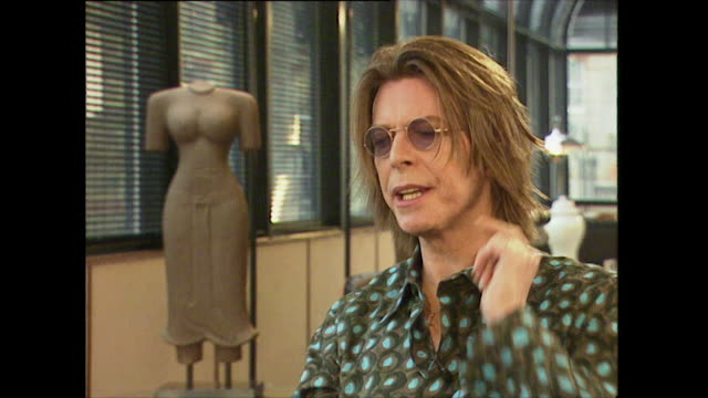 david bowie on wanting to produce and write musicals as a child - インタビュー素材点の映像素材/bロール