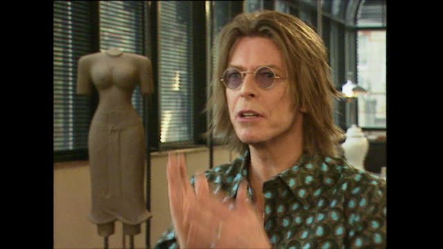 david bowie on wearing a dog collar when first meeting tony blair - alcohol abuse stock videos & royalty-free footage