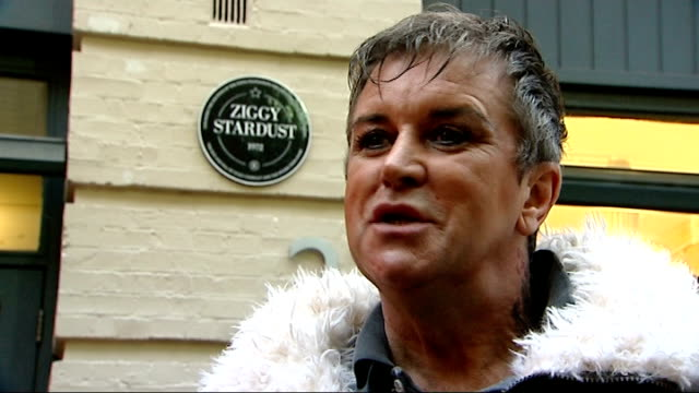 steve strange interview england london swearing *** steve strange fixing hair and makeup and asking crew if they can lend him a fiver sot / steve... - album release stock videos and b-roll footage