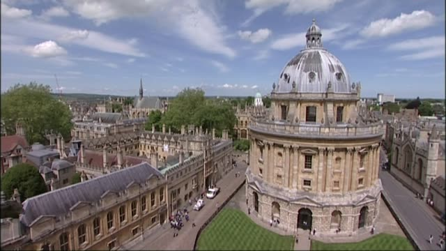 david cameron accused of debauchery in book by lord ashcroft r21051421 / ext high angle view university buildings ornate spires on university... - 被告人点の映像素材/bロール