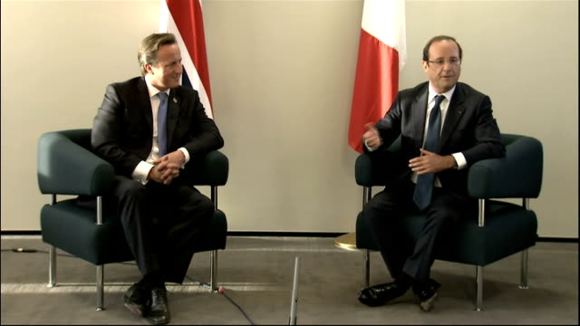 david cameron and francois hollande press conference at olympic park francois hollande press conference sot [in french with breaks for translation]... - thank you englischer satz stock-videos und b-roll-filmmaterial