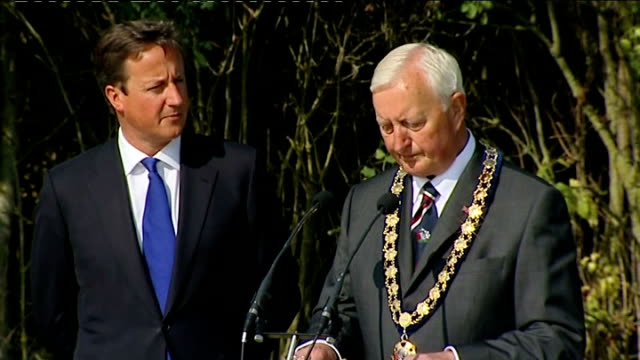 stockvideo's en b-roll-footage met david cameron attends ceremony marking relocation of military repatriations to brize norton patrick greene making opening remarks at ceremony sot /... - laten zakken