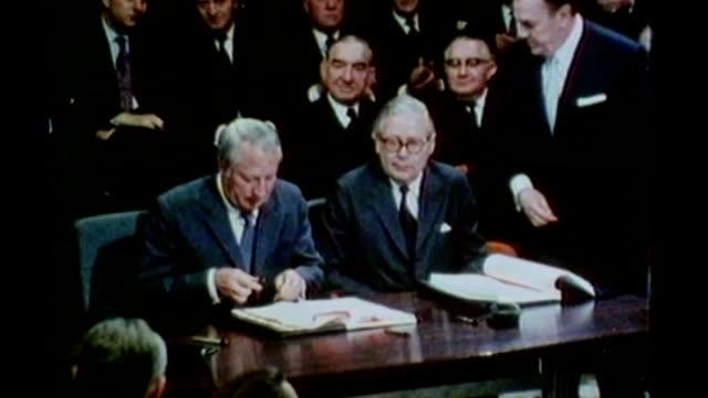 david cameron faces rebellion on eu referendum 2211972 / ulm2026 brussels **heath speaking overlaid sot** edward heath signing 1972 treaty of... - edward heath stock-videos und b-roll-filmmaterial