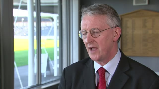 david cameron hopes un vote will bolster support for air strikes in syria against islamic state england int hilary benn mp interview sot i very much... - hilary benn stock-videos und b-roll-filmmaterial
