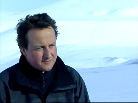 david cameron interview during visit to the arctic david cameron mp second interview sot i want to make sure the countrry that we live in and the... - verringerung stock-videos und b-roll-filmmaterial