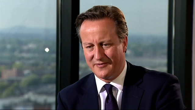 vídeos de stock e filmes b-roll de david cameron interview on more tax powers for london mayor; england: birmingham: int reporter q: how far are you prepared to go to give mayor of... - 30 seconds or greater