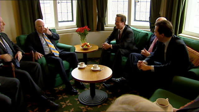stockvideo's en b-roll-footage met david cameron meets senator john mccain england london photography * * senator john mccain posing with david cameron mp and other conservative mps... - william hague