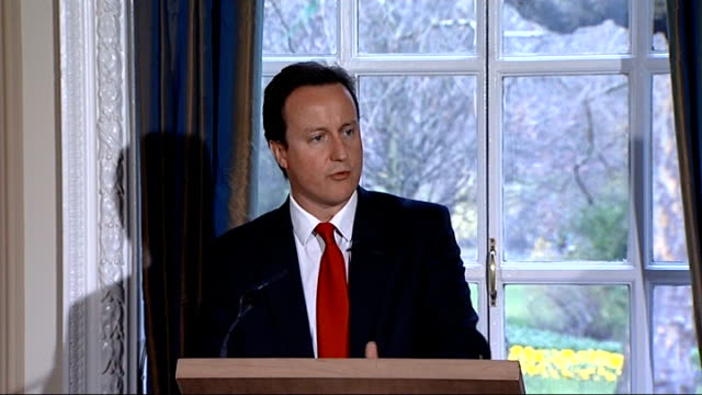 vídeos de stock e filmes b-roll de david cameron military covenant press conference so today i'm announcing our military covenant commission the commission will look at how the... - frederick forsyth