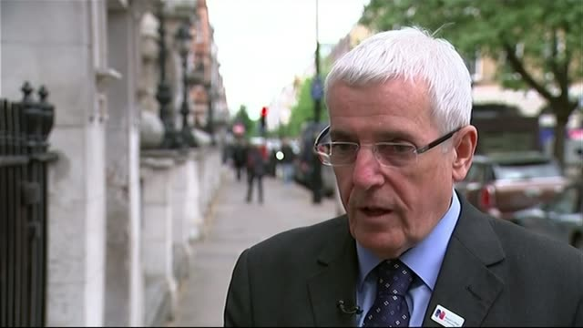 david cameron outlines plans for seven days a week nhs london ext dr peter carter interview sot - itvイブニングニュース点の映像素材/bロール