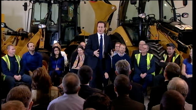 vidéos et rushes de david cameron pm direct event; england: leicestershire: desford: caterpillar plant: int introduction and applause david cameron mp enters room and up... - prime minister